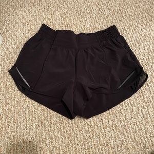 Lululemon Hotty Hot Shorts - Black